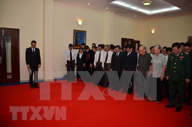 Embajadas de Vietnam en paises sudesteasiaticos rinden homenaje postumo a presidente Tran Dai Quang hinh anh 2