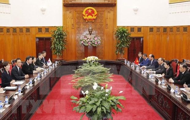 Premier vietnamita dialoga con su homologo surcoreano sobre cooperacion bilateral hinh anh 1