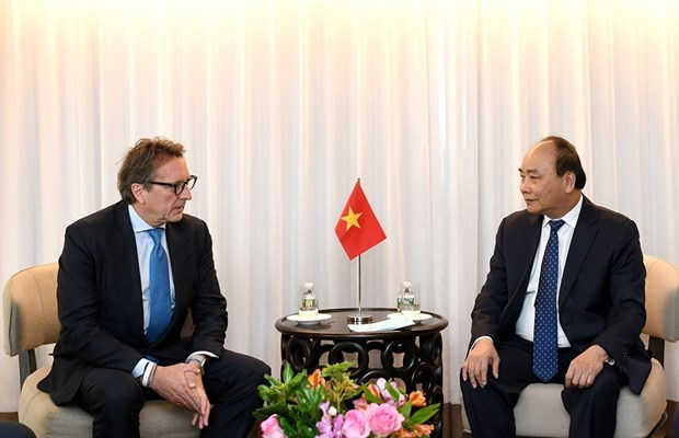 Vietnam promete condiciones favorables para inversores extranjeros hinh anh 1