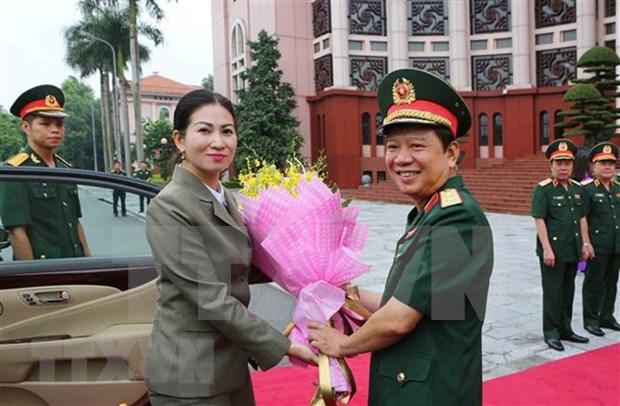 Vietnam y Camboya coinciden en elevar intercambio de experiencias entre mujeres oficiales hinh anh 1