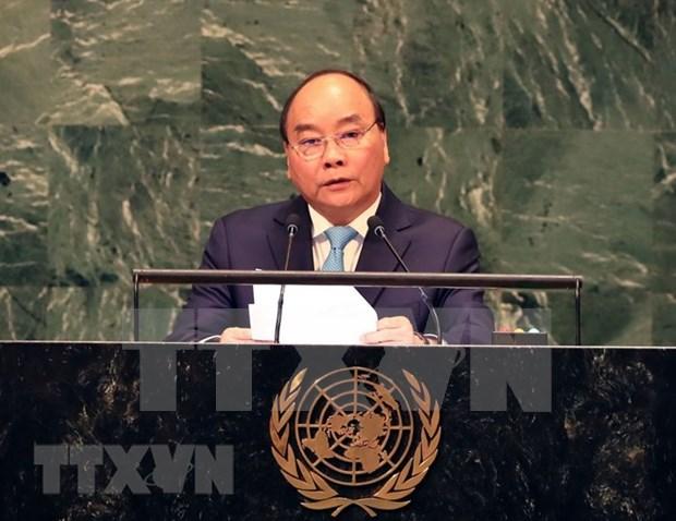 Premier de Vietnam regresa al pais tras intensa agenda en la ONU hinh anh 1