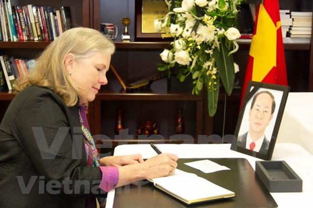 Senadores estadounidenses destacan aporte del presidente Tran Dai Quang a nexos bilaterales hinh anh 1