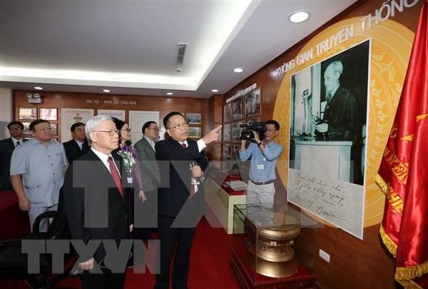 Dirigente partidista de Vietnam pide a Academia de Agricultura adaptarse a revolucion industrial hinh anh 1