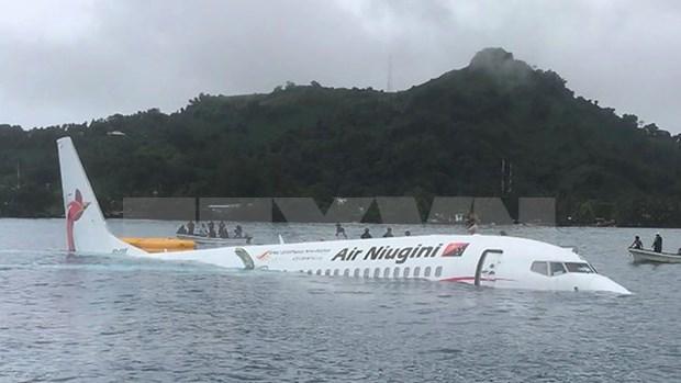 Se encuentran en buen estado de salud ciudadanos vietnamitas a bordo de avion accidentado en Micronesia hinh anh 1