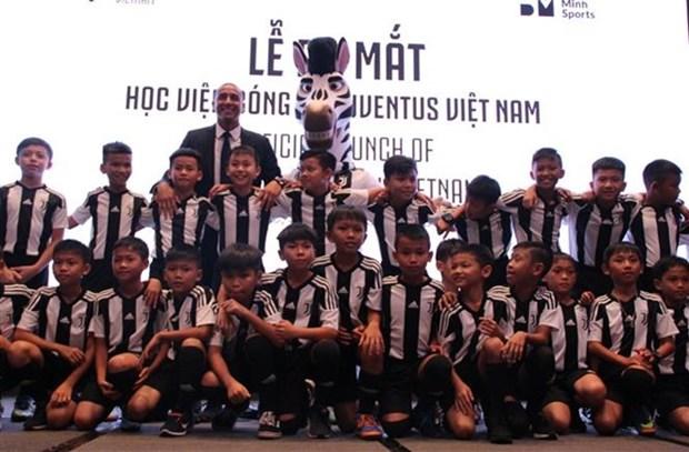 Inauguran academia de futbol de Juventus en Vietnam hinh anh 1