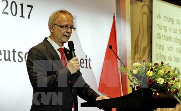 Vietnam y Alemania proponen profundizar relaciones de amistad y cooperacion bilateral hinh anh 1
