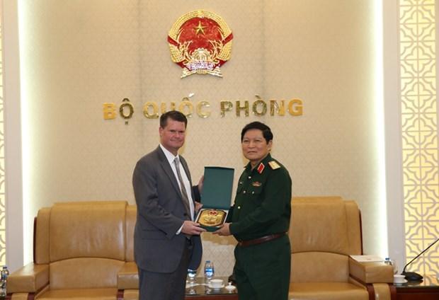 Vietnam y Estados Unidos trabajan por agilizar lazos en defensa hinh anh 1