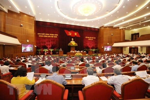 Comite Central del Partido Comunista de Vietnam prosigue su octavo pleno hinh anh 1