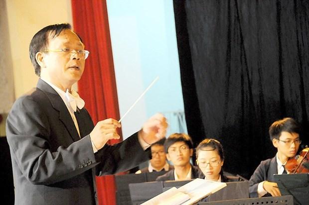 Compositor vietnamita presenta cultura nacional a estudiantes franceses hinh anh 1