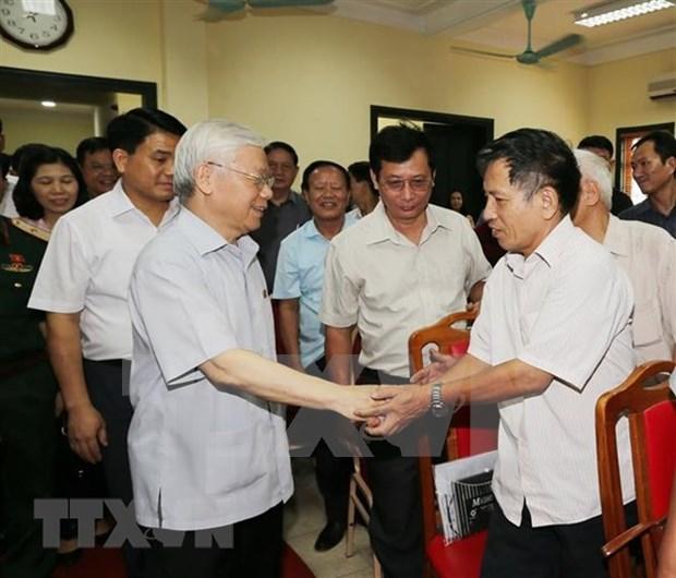 Dirigente partidista de Vietnam escucha propuestas de electores para proximas sesiones parlamentarias hinh anh 1