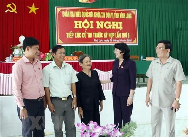 Presidenta interina de Vietnam se reune con votantes hinh anh 1