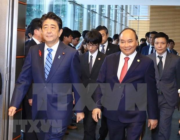Medios japoneses difunden resultados de dialogo entre Shinzo Abe y Nguyen Xuan Phuc hinh anh 1