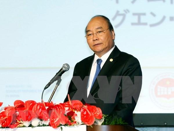 Premier de Vietnam invita a empresas japonesas a desarrollar negocios a largo plazo en su pais hinh anh 1