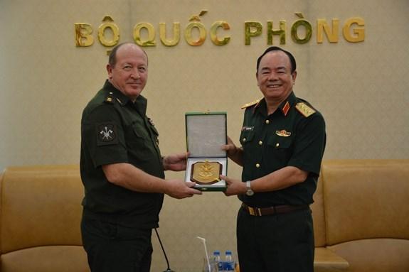 Vietnam y Rusia refuerzan cooperacion en actividades de mantenimiento de paz hinh anh 1