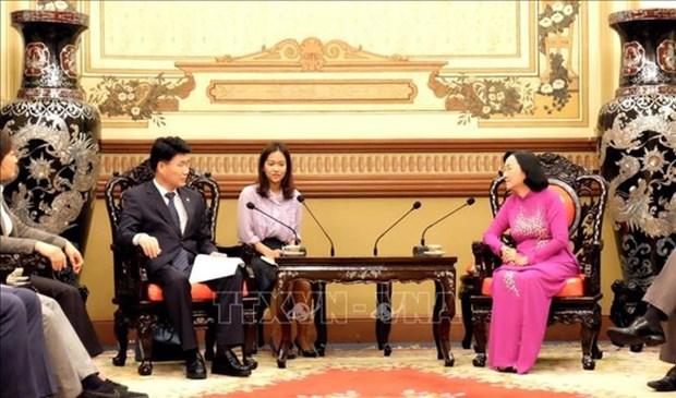 Localidades vietnamita y surcoreana intercambian experiencias sobre funciones del consejo popular hinh anh 1