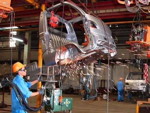 Vietnam alcanza ganancias millonarias por exportaciones de piezas de automoviles hinh anh 1