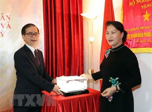 Presidenta del Parlamento vietnamita reafirma apoyo de Hanoi a connacionales en Turquia hinh anh 1