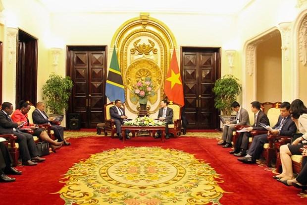 Vietnam promovera entrada de productos y servicios tanzanos en mercados de ASEAN hinh anh 2