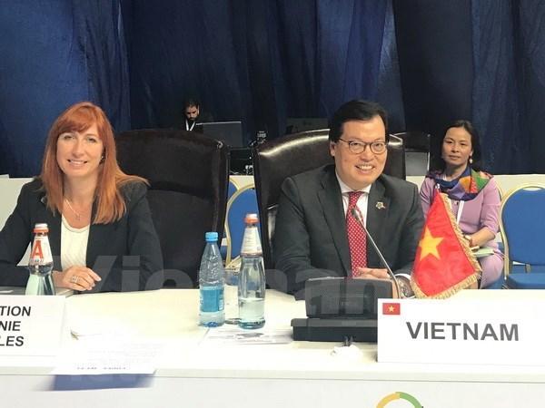Vietnam se suma de manera activa a la XVII Cumbre de la Francofonia hinh anh 1