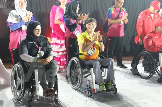 Atleta vietnamita honrado en clausura de Juegos Paralimpicos de Asia hinh anh 1