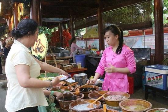 Presentan en Hanoi cultura culinaria tradicional en festival gastronomico hinh anh 1