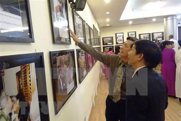 Celebran en Vietnam exposicion fotografica sobre amistad y solidaridad con Cuba hinh anh 1