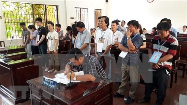 Sentencian a 19 individuos chinos y vietnamitas por juegos de apuestas hinh anh 1