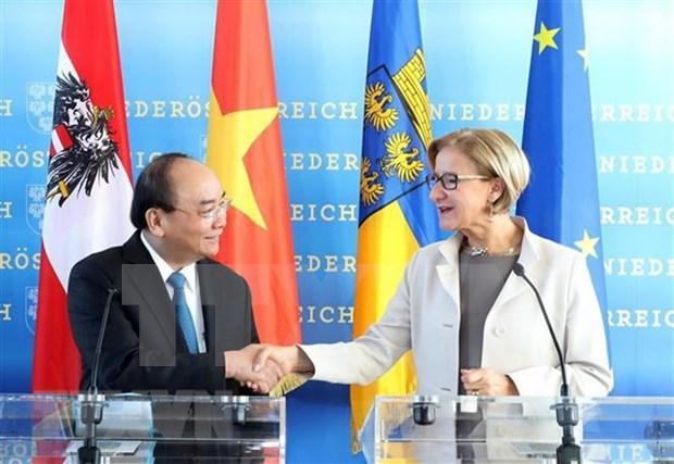 Premier de Vietnam visita estado de Baja Austria hinh anh 1