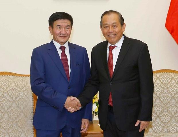 Vicepremier de Vietnam aboga por fortalecer lazos con Mongolia en multiples campos hinh anh 1