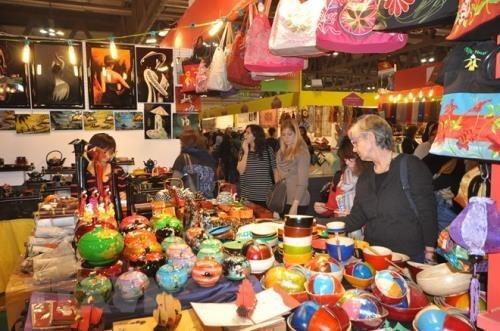 Hanoi Gift Show favorece lazos entre entidades nacionales y extranjeros en produccion de suvenires hinh anh 1