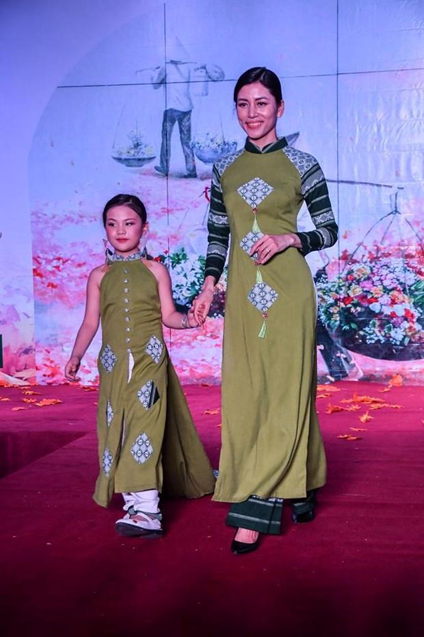 Colores del otono tinen a la moda en Vietnam hinh anh 3