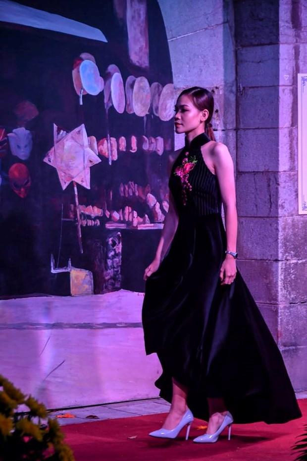 Colores del otono tinen a la moda en Vietnam hinh anh 6