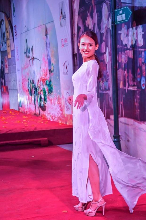 Colores del otono tinen a la moda en Vietnam hinh anh 10