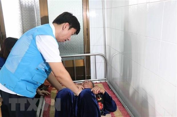 Medicos surcoreanos ofrecen consultas medicas para vietnamitas hinh anh 1