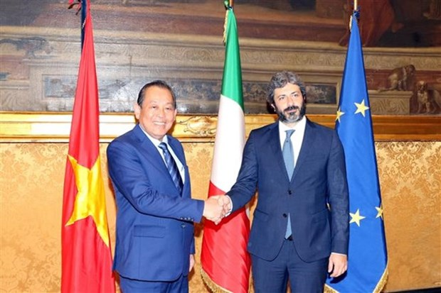 Vicepremier de Vietnam se reune con el presidente de Camara de Diputados de Italia hinh anh 1