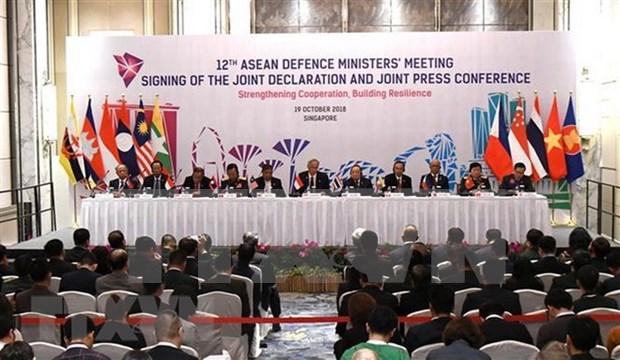 Vietnam llama a promover rol central de ASEAN en mantenimiento de paz hinh anh 1