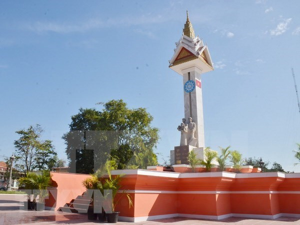 Monumento de Amistad Vietnam-Camboya, simbolo de la relacion tradicional bilateral hinh anh 1