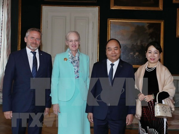 Premier de Vietnam continua actividades en Dinamarca hinh anh 1