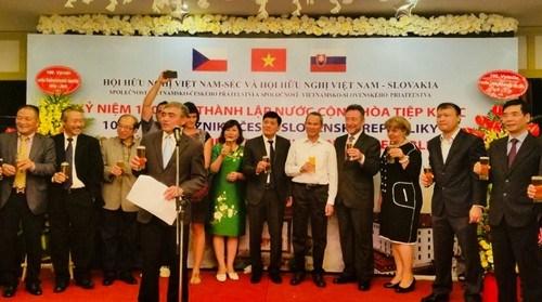 Celebran en Hanoi 100 aniversario de fundacion de Checoslovaquia hinh anh 1