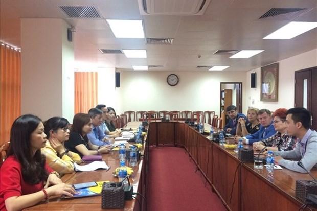 Intercambian experiencias sindicatos de Vietnam y Belarus hinh anh 1