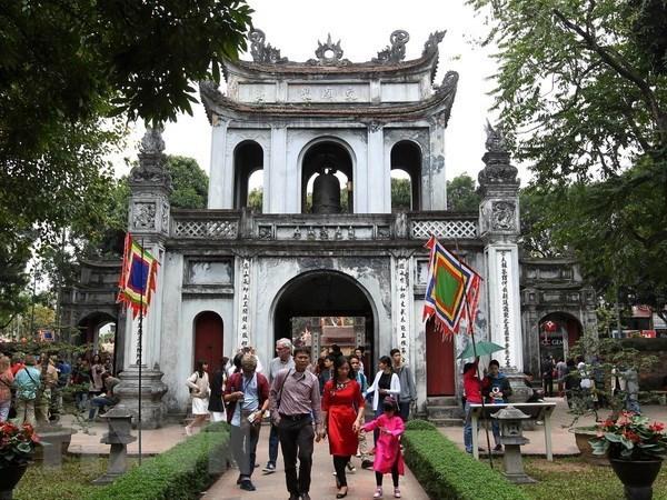 CNN reajusta fecha de transmision de programa sobre sitios turisticos de Hanoi hinh anh 1