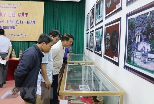 Exhiben artefactos de la cultura Dong Son y dinastias feudales de Vietnam en provincia de Ninh Binh hinh anh 1