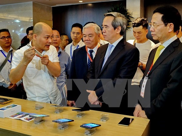Vietnam debe empenarse en impulsar desarrollo de economia digital, sostiene experto hinh anh 1