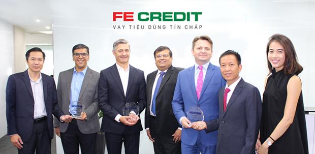 Compania financiera vietnamita recibe tres premios continentales de pagos electronicos hinh anh 1