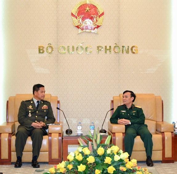 Ejercitos de Vietnam y Camboya promueven cooperacion en comunicacion hinh anh 1