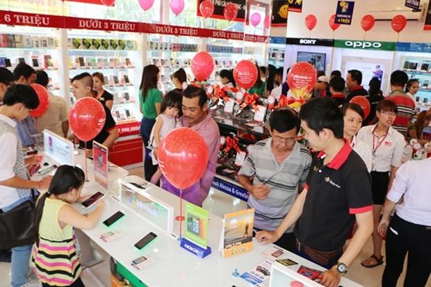 Vendedores minoristas vietnamitas buscan elevar su competitividad en mercado nacional hinh anh 1