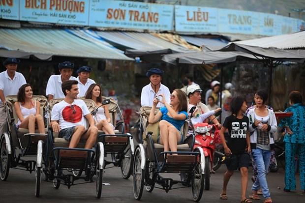 Vietnam atrae a casi 13 millones de turistas internacionales en 10 meses de 2018 hinh anh 1