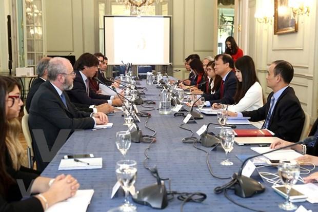Vietnam y Argentina fomentan cooperacion economica y comercial hinh anh 1