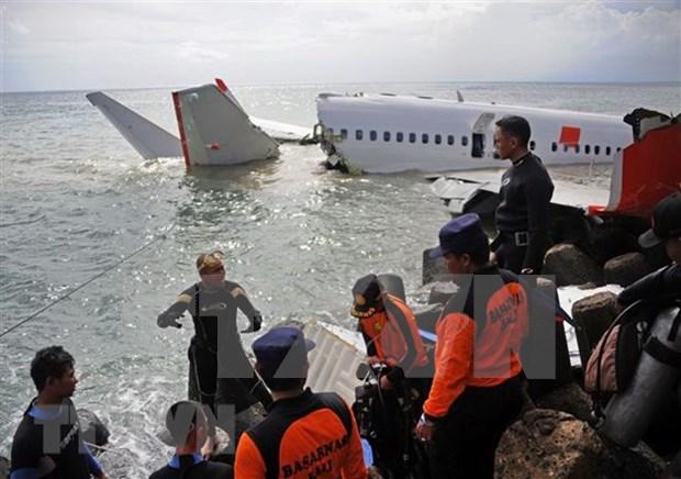 No reportan pasajeros vietnamitas en avion accidentado en Indonesia hinh anh 1