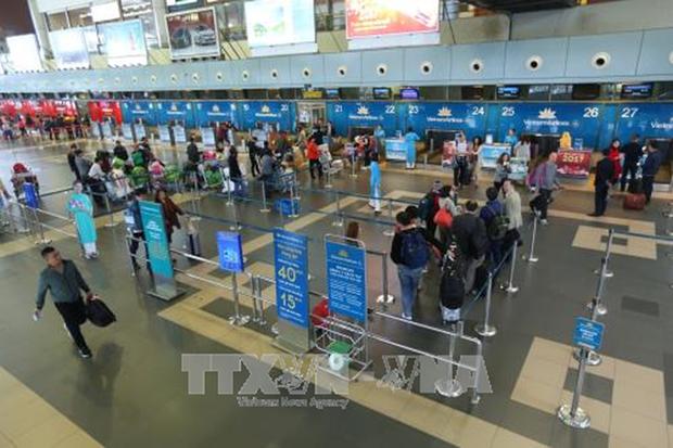 Mas pasajeros optan por servicios aereos en Vietnam hinh anh 1